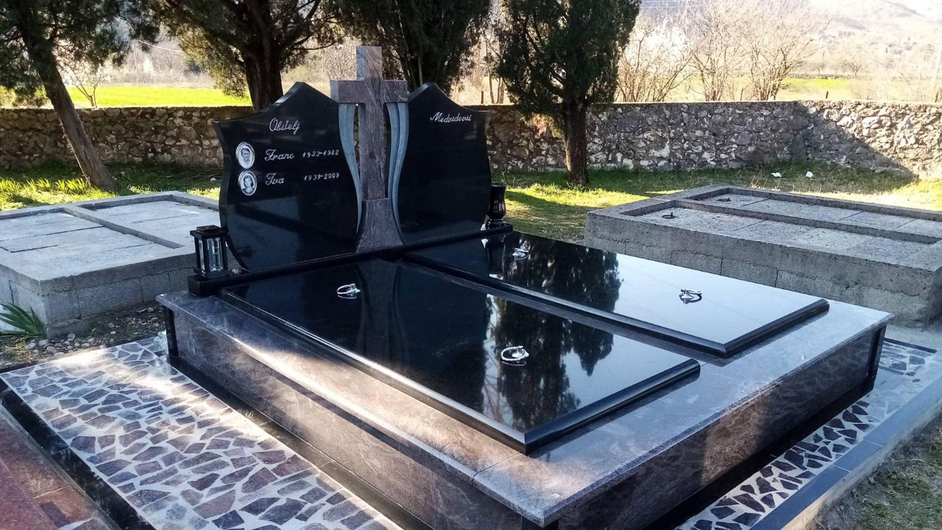 Dvostruke grobnice